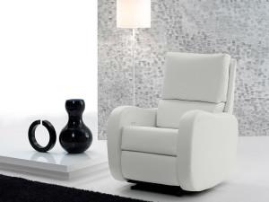 ¿Cómo es mejor limpiar mi sillón de piel?