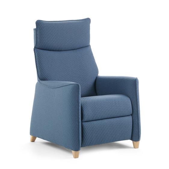Reclining manual armchair